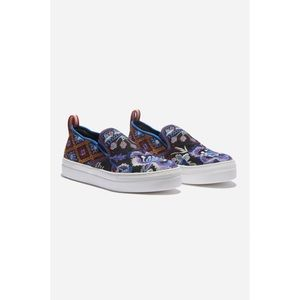 Johnny Was Romany Slip-On Shoes Black Floral 10